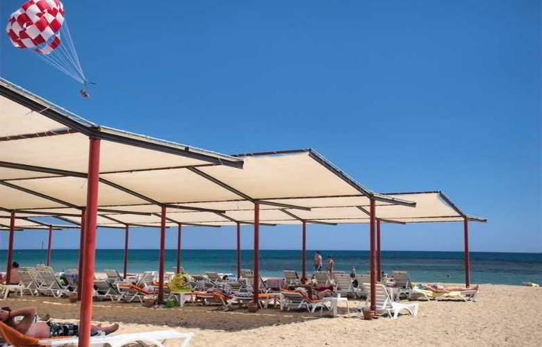 Ramada Resort Side - Beach - 4