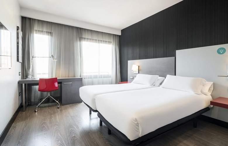 Ilunion Suites Madrid - Room - 2