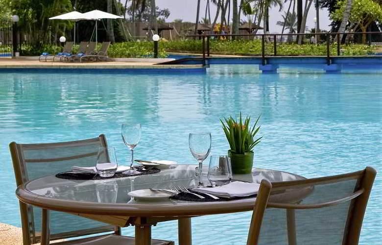 Sofitel Abidjan Hotel Ivoire - Pool - 7