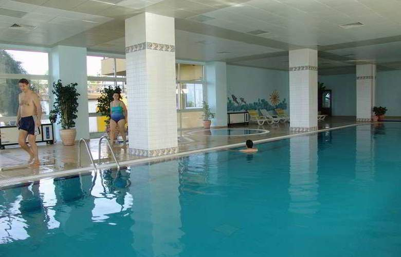 Acapulco Beach Club and Resort - Sport - 9
