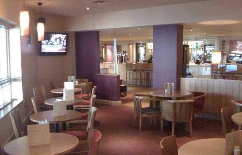 Premier Inn Birmingham NEC - Bar - 5