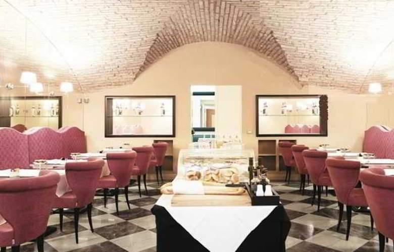 Leon's Place - Restaurant - 11