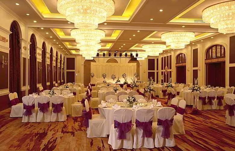 Grand Mercure Teda - Restaurant - 42