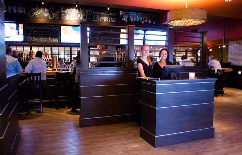 Best Western TLC Hotel - Restaurant - 85