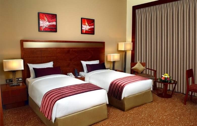 Landmark Grand Hotel - Room - 8