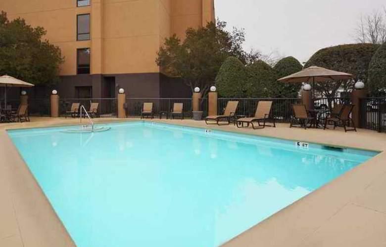 Hampton Inn Charlotte-University Place - Hotel - 4