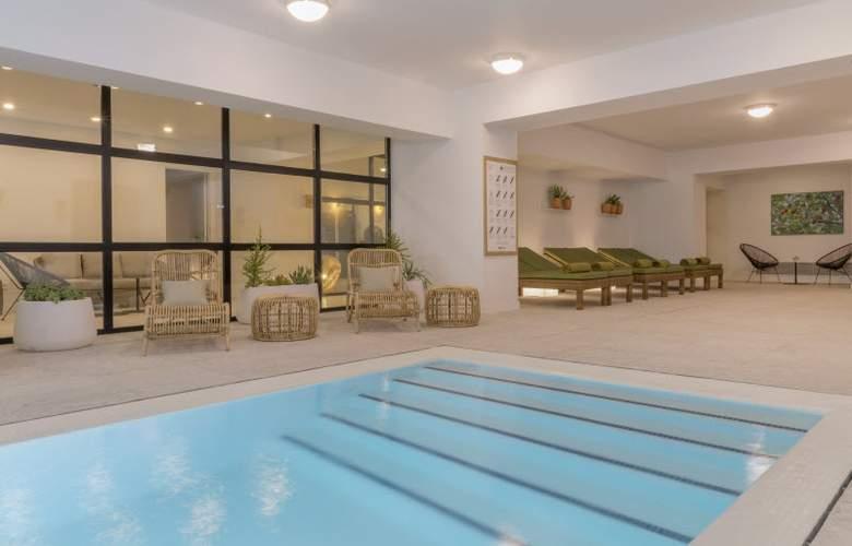 HM Ayron Park - Pool - 26