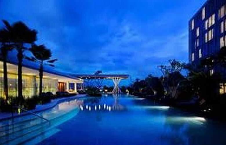 Hilton Bandung - Pool - 21