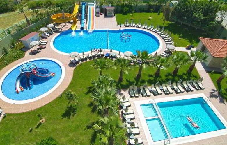 Gardenia Beach - Pool - 7