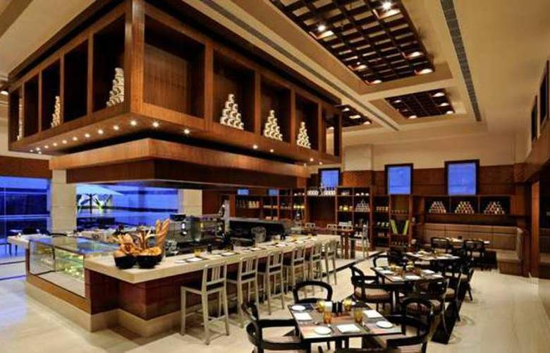 Doubletree by Hilton Gurgaon - Restaurant - 10