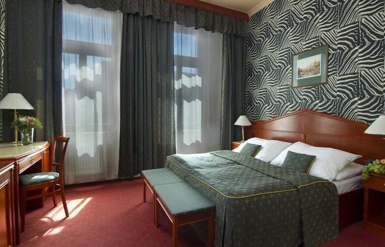 Carlton Hotel - Room - 9