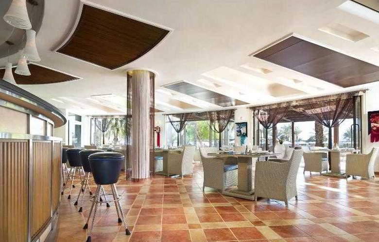 Le Meridien Al Aqah Beach Resort - Hotel - 17