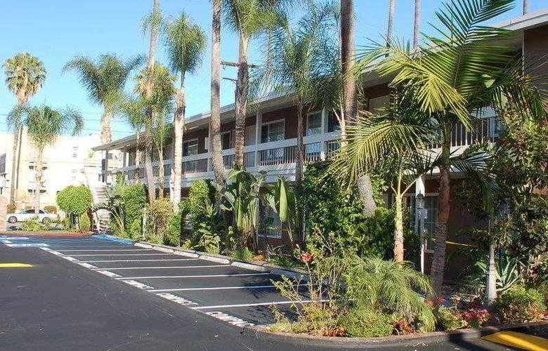 Best Western Plus Carriage Inn Sherman Oaks - Hotel - 6
