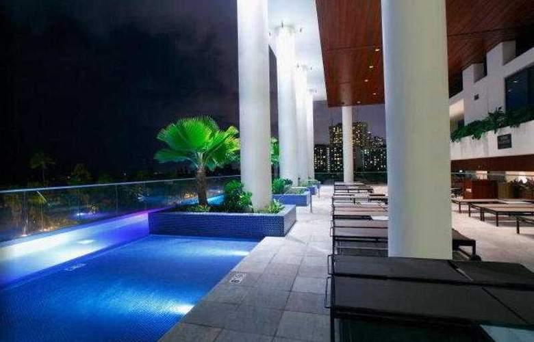 Trump International Hotel & Tower Waikiki - Terrace - 9