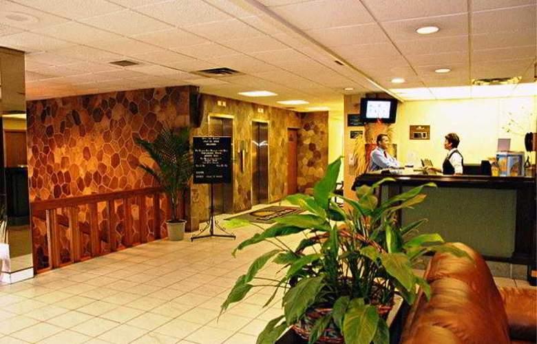 Days Inn Windsor Casino - General - 1