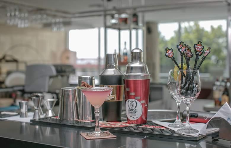 Tryp Habana Libre - Bar - 28