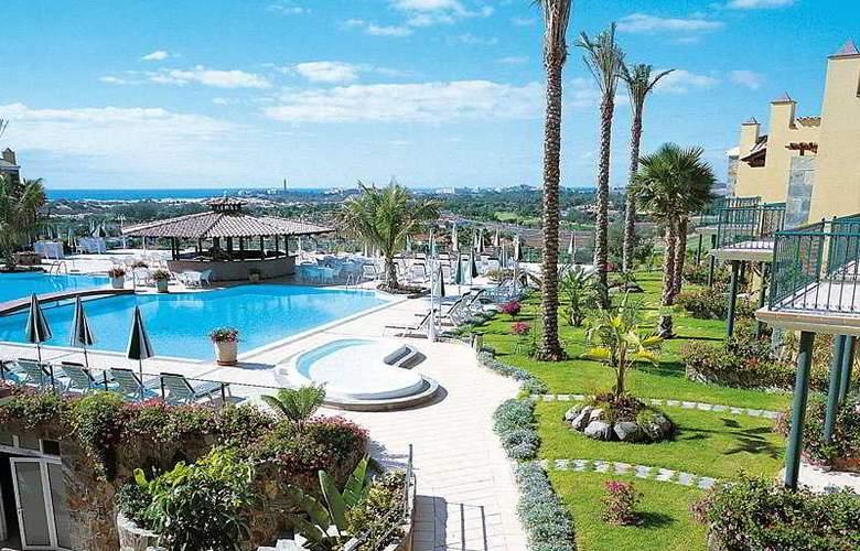 Vital Suites Residencia Salud & Spa - Hotel - 0