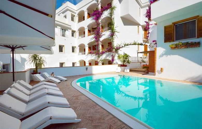 Villa Romana - Pool - 22