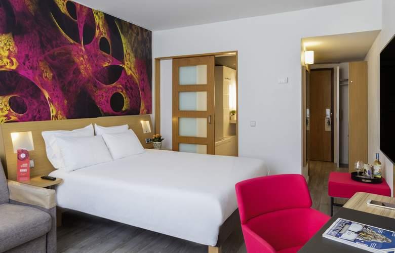 Novotel Barcelona Cornellà - Room - 8
