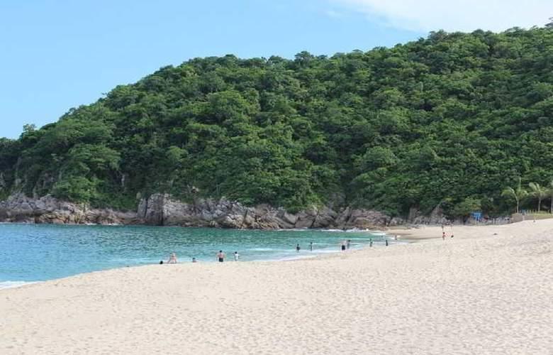 La Isla Huatulco - Beach - 13
