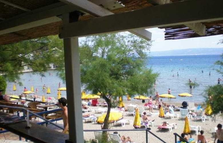 Bozinovic - Beach - 7