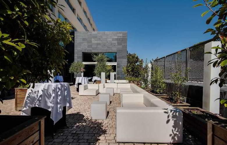 Rafaelhoteles Forum Alcala - Terrace - 56