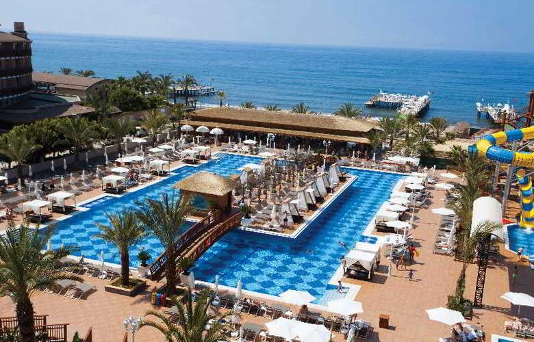 Quattro Beach Spa & Resort Hotel - Pool - 15