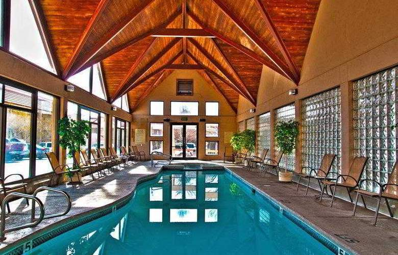 Best Western Town & Country Inn - Hotel - 12