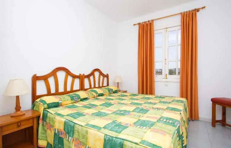 Nazaret Apartments - Room - 9