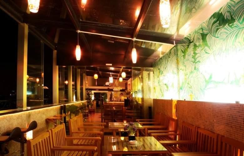 Golden Lotus - Restaurant - 1