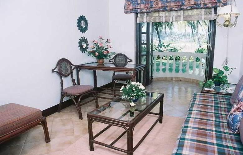 Coconut Grove - Room - 13