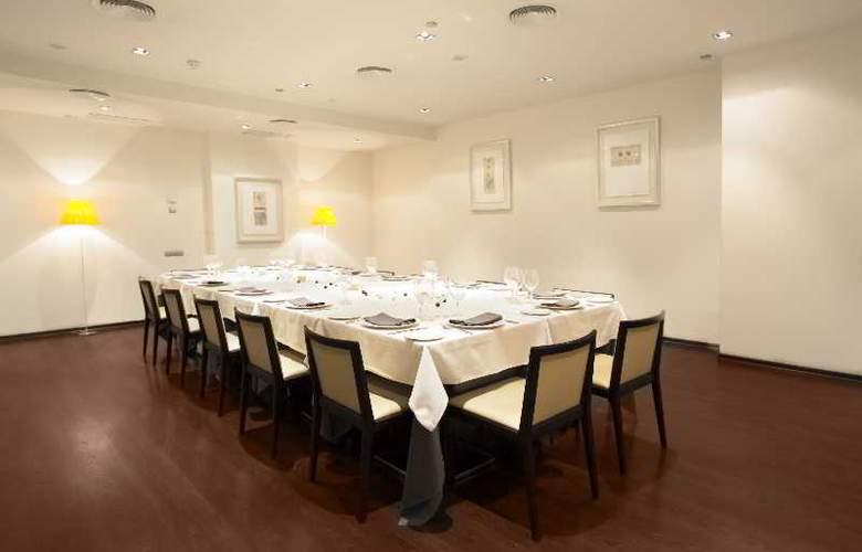 Nuevo Madrid - Restaurant - 26