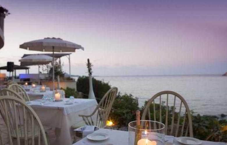 Club Hotel Baja Sardinia  - Terrace - 20