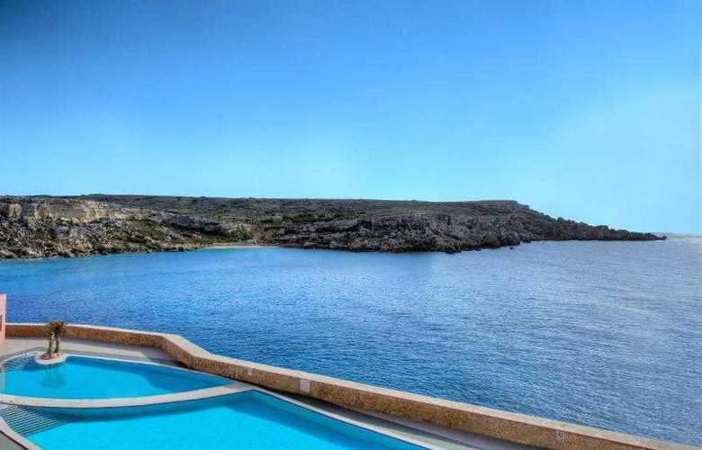 Paradise Bay - Hotel - 11