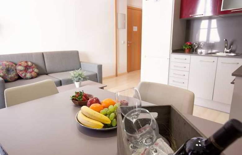Barcelona Suites - Room - 18