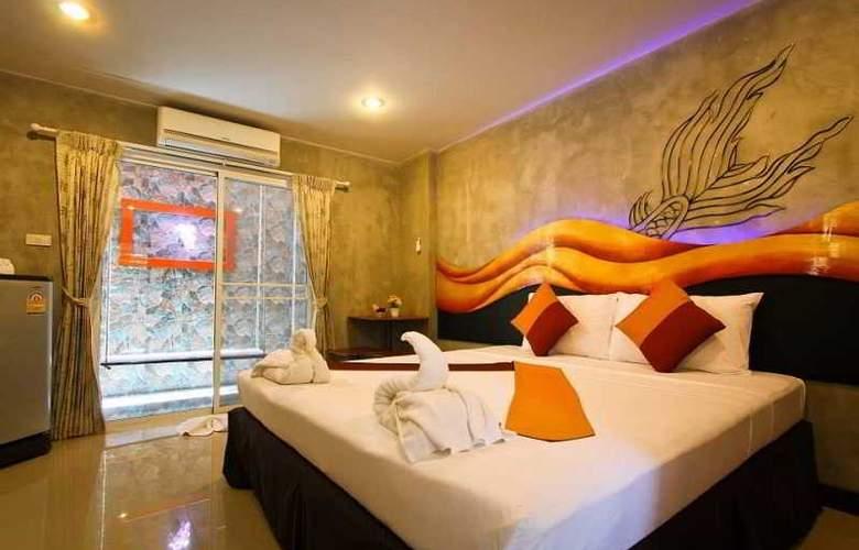 Baan Kamala Hostel & Guesthouse - Room - 4