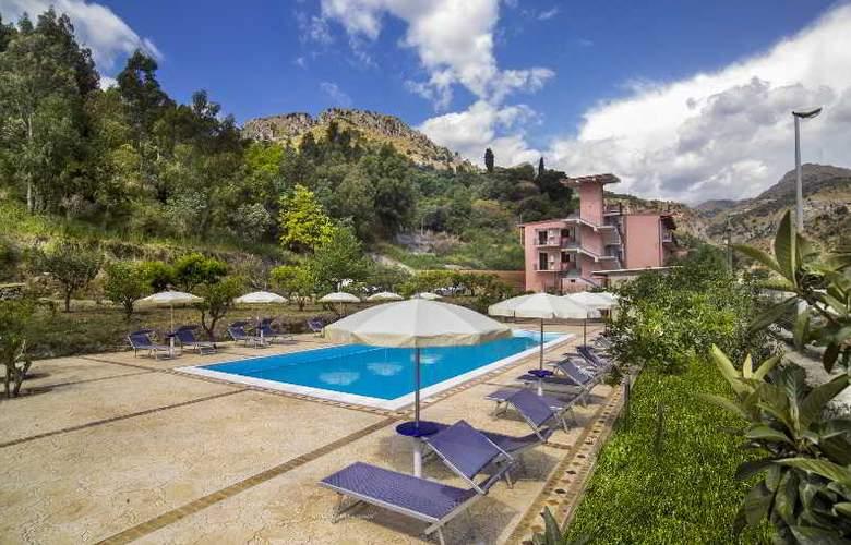 Villa Taormina - Hotel - 4
