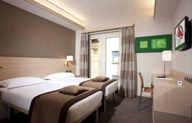 iQ Hotel Roma - Room - 4