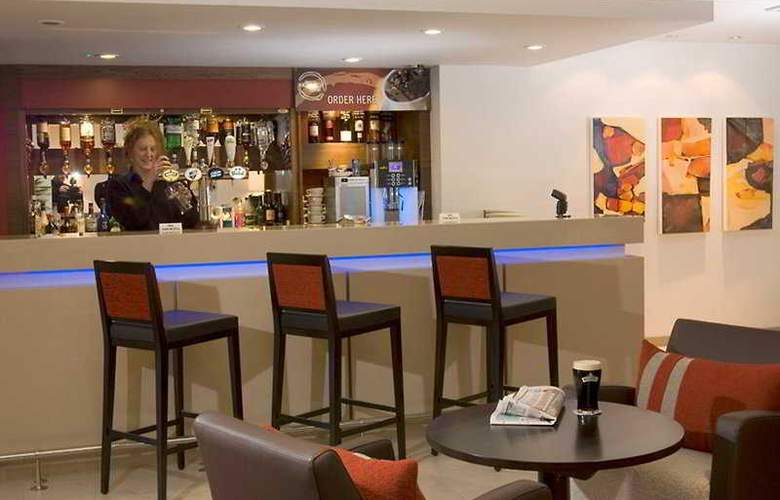 Holiday Inn Express East Midlands Airport - Bar - 3