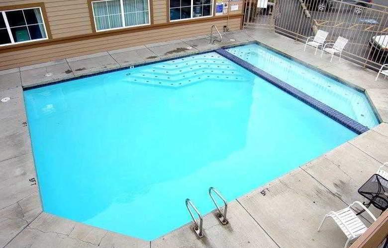 Best Western Rocky Mountain Lodge - Hotel - 9