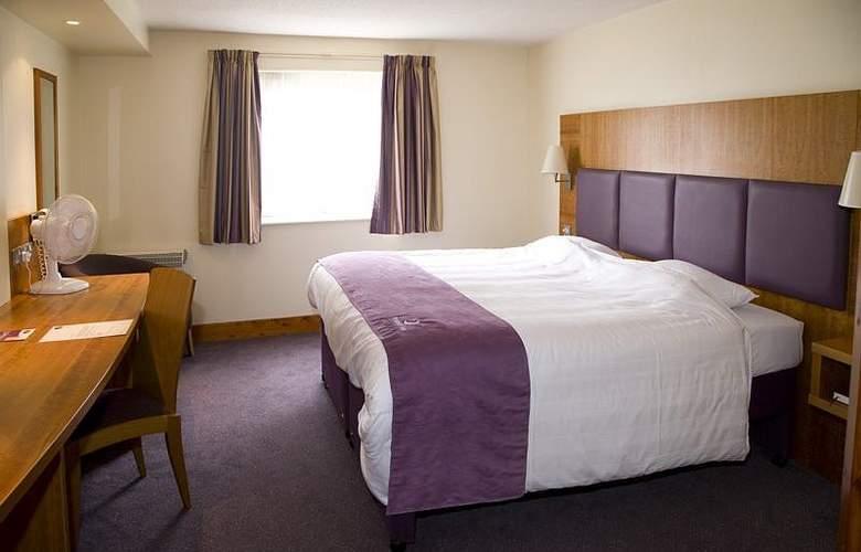 Premier Inn Watford Central - Restaurant - 3