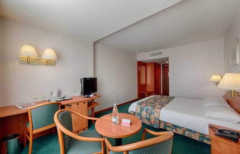 Ramada Parc - Room - 16
