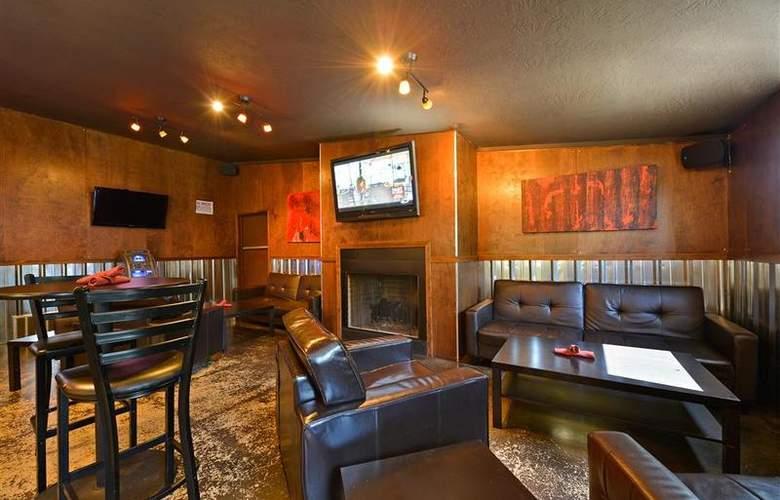 Best Western Greentree Inn - Bar - 84