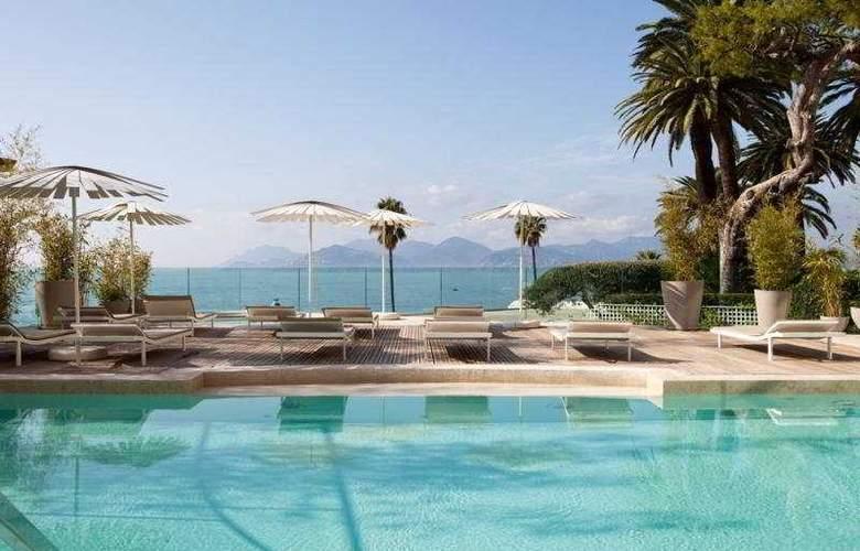 Le Radisson Blu 1835 Hotel & Thalasso - Pool - 1