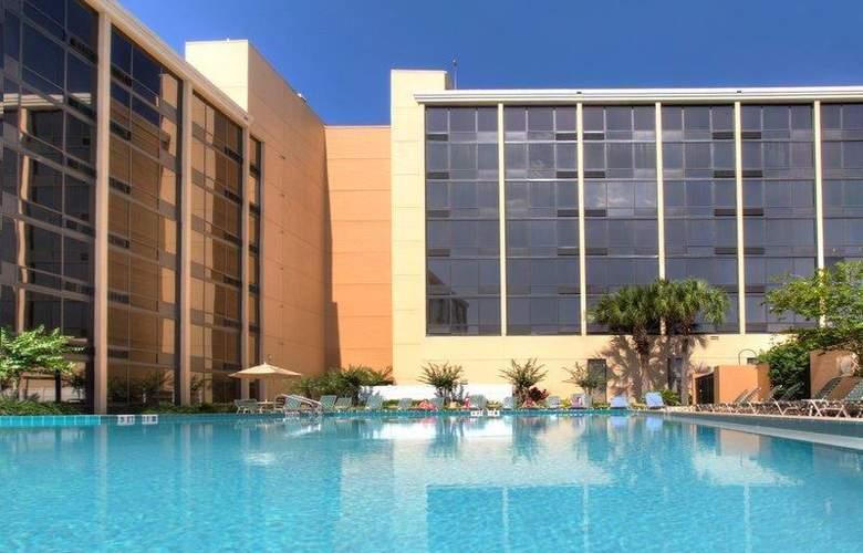 Best Western Plus Orlando Gateway Hotel - Pool - 81
