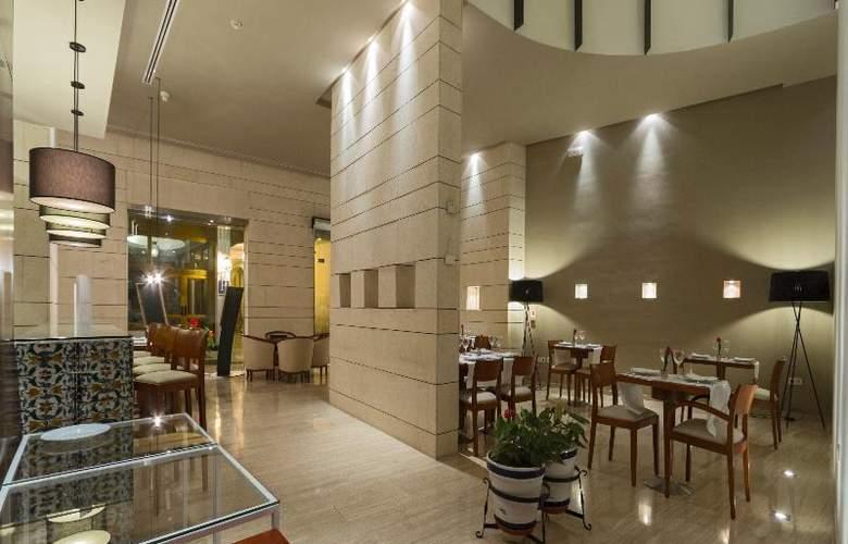 Rey Alfonso X - Restaurant - 53