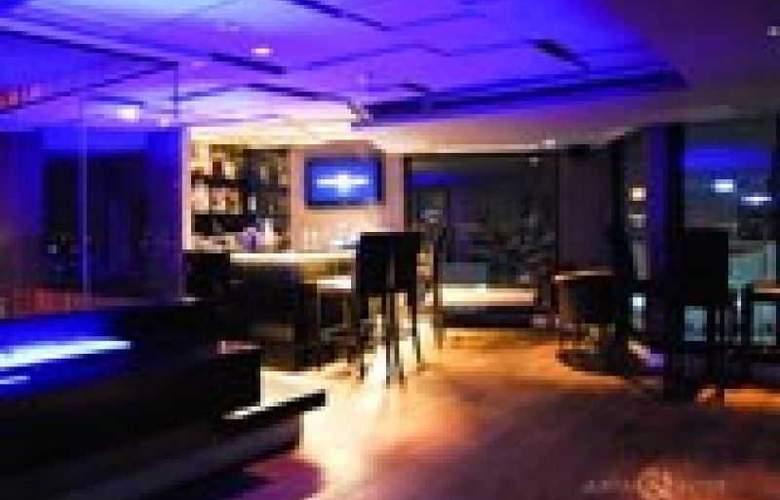 The Continent Hotel Bangkok - Bar - 24