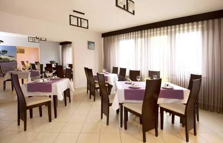 Aramis - Restaurant - 14