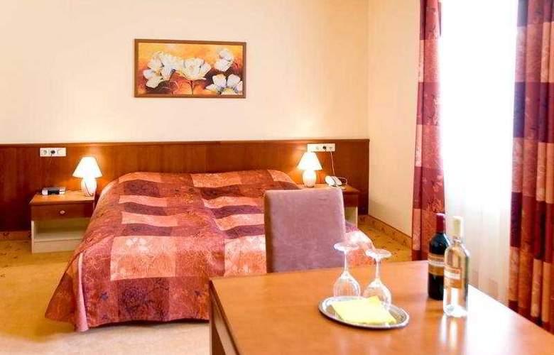 City-Hotel - Room - 3