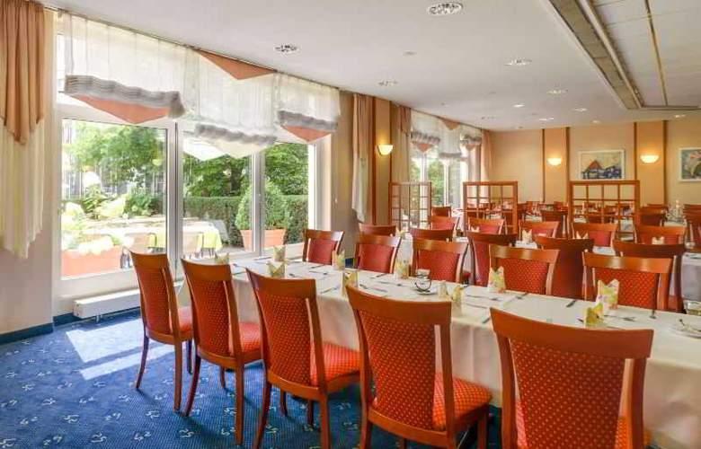 Novina Sudwestpark Hotel - Restaurant - 16